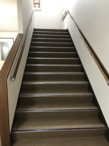 長専寺 階段 手すり